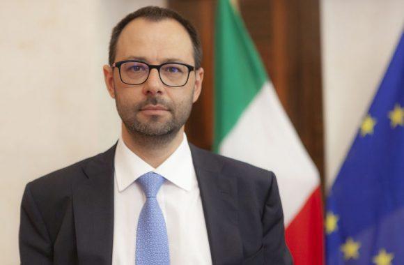 Patuanelli: «Transizione 4.0 è il primo mattone su cui si fonda il Recovery Fund italiano»